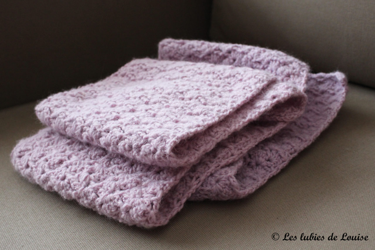 apprendre a tricoter une echarpe au crochet. Black Bedroom Furniture Sets. Home Design Ideas