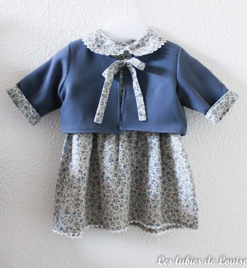 Ensemble robe et gilet de bébé - les lubies de louise