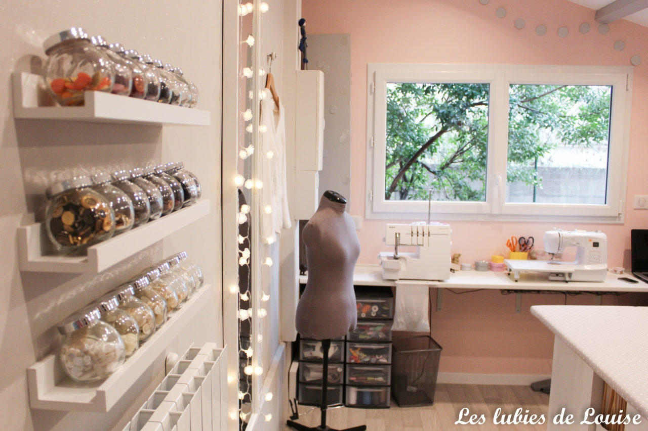 rangement bouton mural atelier couture