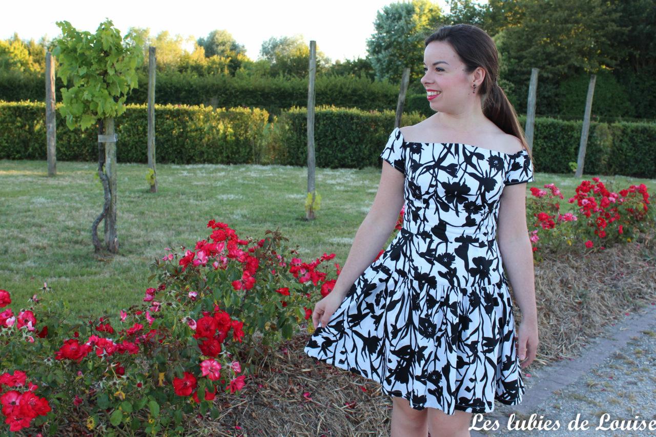 Seda Dress black and white