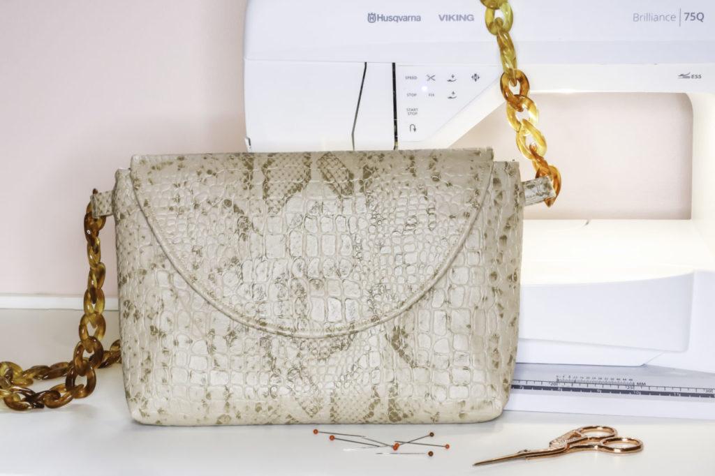 Patron couture gratuit pochette bandoulière Charlotte