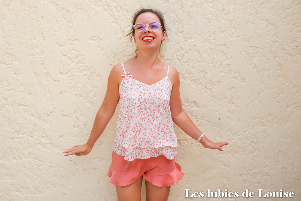 Tenue d'été cousue main : top mouna sew box de juillet et short Marius